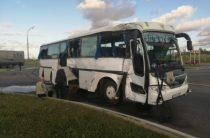 В Татарстане вахтовый автобус столкнулся с фурой, пострадали 11 человек