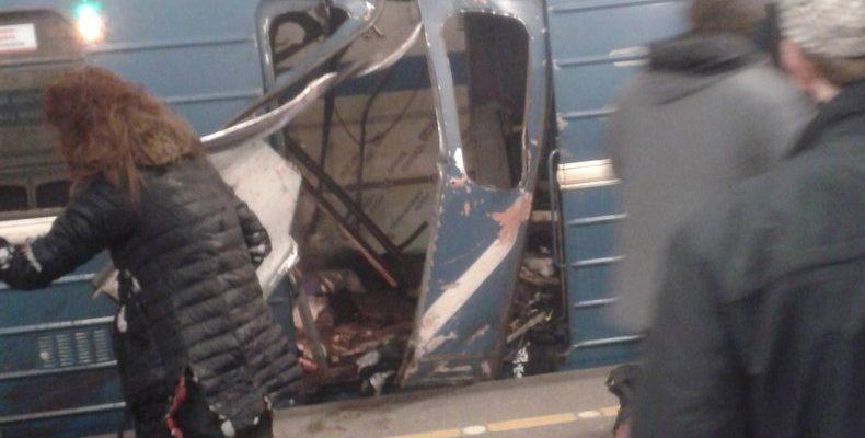 В Санкт-Петербурге в метро произошел взрыв, есть погибшие