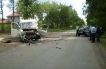 В Уфе водитель «Мерседеса» погиб в результате столкновения с «Газелью»