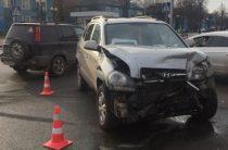 В Йошкар-Оле столкнулись Toyota и Hyundai, пострадали женщина и ребенок