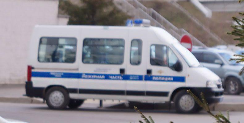 В Казани мигранты при сносе ларька напали на полицейского