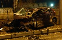 В Челнах водитель легковушки погиб врезавшись в столб