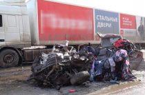 ВИДЕО: В Челябинской области два человека погибли в страшном ДТП