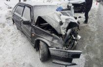 В Самаре автоледи на ВАЗе погибла, на «встречке» столкнувшись с «Митсубиси»