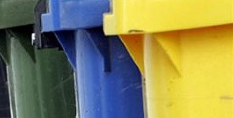 Преимущества мусорных баков из пластика