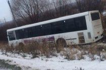 На трассе в Татарстане автобус вылетел в кювет
