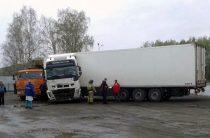 В Челябинской области фура врезалась в ВАЗ, погибли два человека