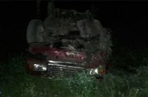В Башкортостане водитель на ВАЗе опрокинулся в кювет, погиб пассажир легковушки