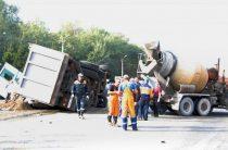 Во Владимире грузовик с песком протаранил семь автомобилей, погибли два человека