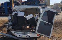 В Ставрополье фура врезалась в автобус с пассажирами, один человек погиб и 9 пострадали
