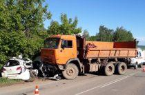 В Башкирии по вине водителя ВАЗа погибли два человека