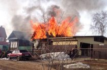 В Ижевске в результате пожара в жилом доме погибли трое взрослых и двое детей