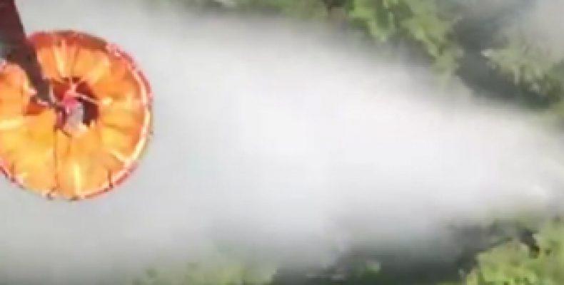 ВИДЕО: МЧС показали как авиация тушит лесные пожары в Сибири