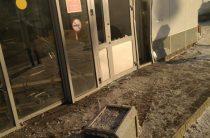 В Казани автомобиль врезался в дверь «Пятерочки»