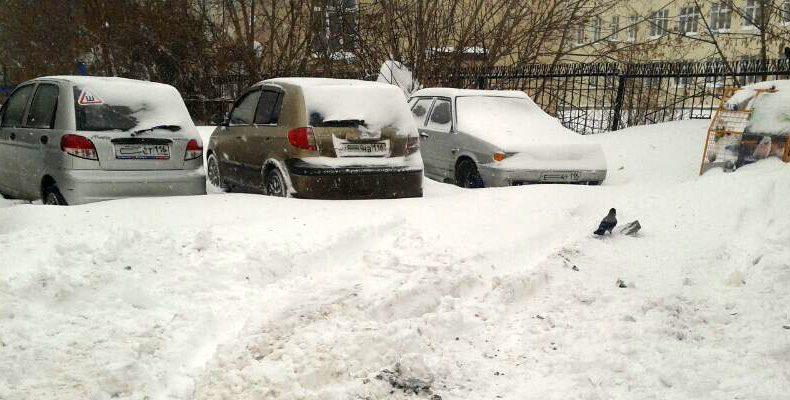 Больше всего замечаний по уборке снега во дворах в Авиастроительном, Вахитовском и Кировском районах Казани