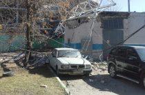 В Казани на Павлюхина упала стрела башенного крана, повреждено здание и автомобиль