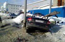 Смертельное ДТП в Казани: Иномарка на большой скорости влетела в столб