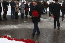 Премьер-министр РТ принял участие в траурном митинге в память о погибших в ТЦ «Зимняя вишня»
