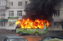 В Уфе на остановке сгорел пассажирский ПАЗ (Фото)