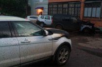 Соцсети: Ночью в Башкирии сожгли два дорогих внедорожника