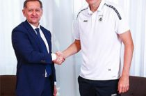 Он вернулся. Бухаров подписал контракт с «Рубином»
