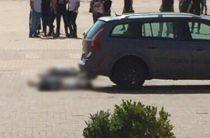 В центре Белгорода мужчина вытащил из багажника авто труп и попытался покончить с собой