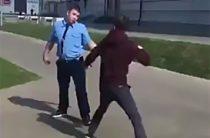 Соцсети: В Казани водитель автобуса решил разобраться с пассажиром за замечание «ехать аккуратнее»