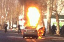 В Ульяновске после ДТП полностью сгорела иномарка (ФОТО)