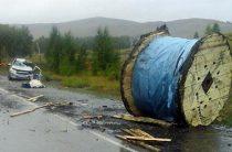 В Башкирии на трассе с прицепа грузовика упал груз и убил водителя встречной «Гранты»