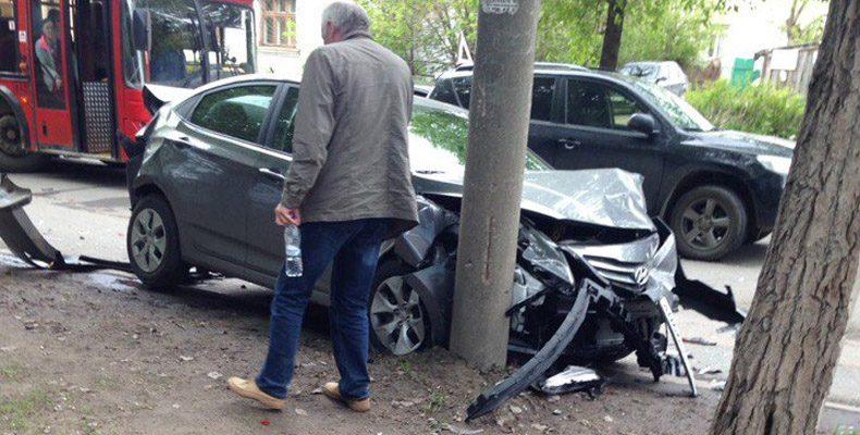 На Даурской в Казани столкнулись сразу шесть автомобилей