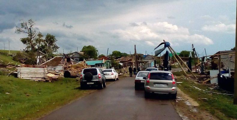 На некоторые районы Татарстана обрушился ураган. Фото последствий