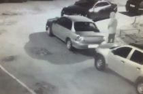 Появилось видео поджога автомобиля на улице Глушко в Казани