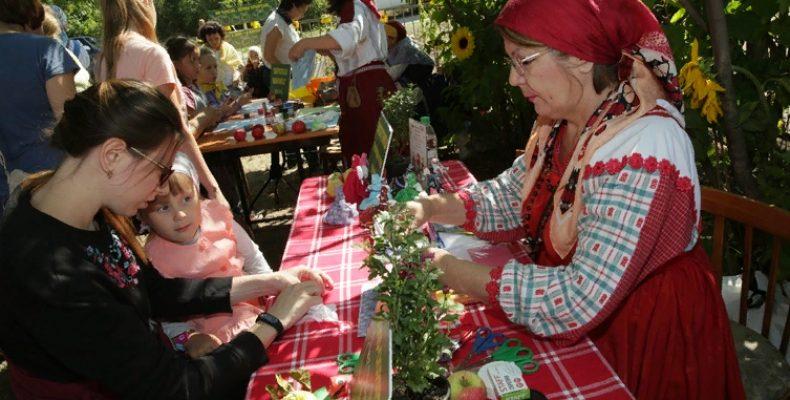 Национальный музей РТ приглашает на «Яблочный Спас в селе Красновидово»