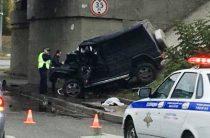 Смертельное ДТП в Казани: Водитель на «Гелендвагене» врезался в опору моста