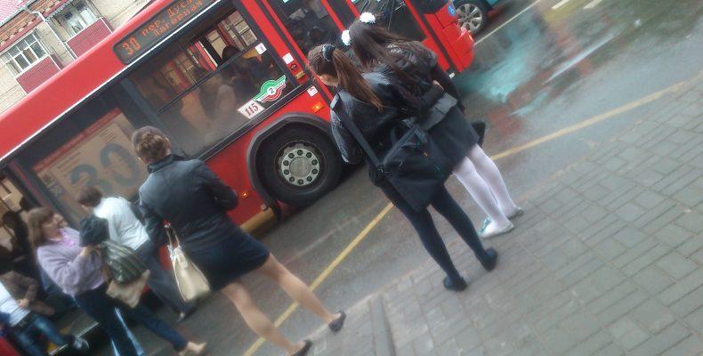 Автобусам разрешили останавливаться на участках улиц Япеева и Муштари
