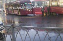 На улице Серова в Казани произошло ДТП с участием двух трамваев
