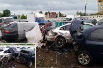 В Ижевске пьяный водитель врезался в пять автомобилей на стоянке