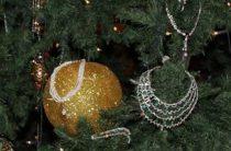 В Татарстане поймали мужчину, укравшего украшения с елки у торгового центра