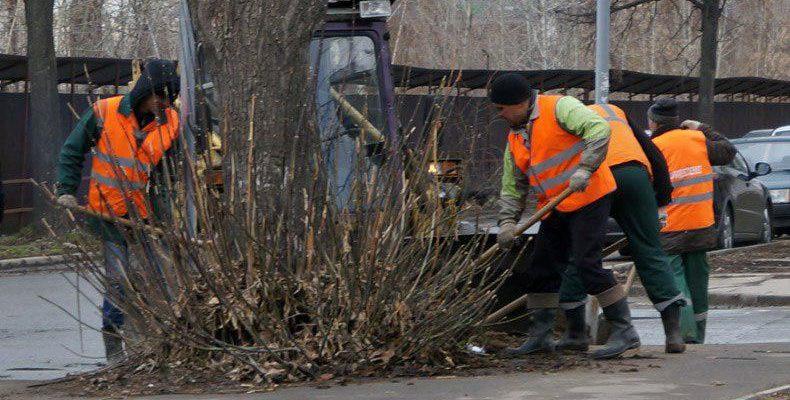 Метшин призвал казанцев выйти на уборку города