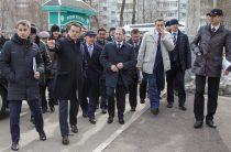 Михаилу Бабичу рассказали о реализации проекта благоустройства двора