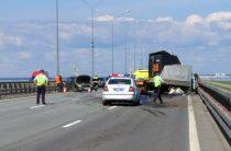 В массовом ДТП на КАД водитель «газели» получил открытый перелом