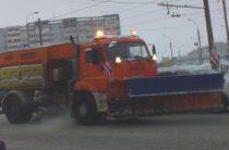 В прошедшие сутки улицы Казани убирали 630 единиц спецтехники