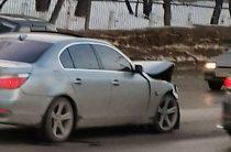 В Уфе БМВ на большой скорости врезалась в «Ладу»